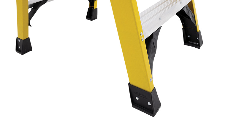 Werner-Podium-Ladder-EDGE360-Bracing